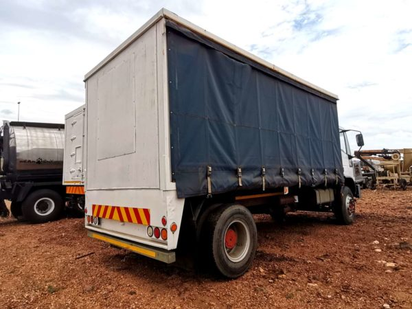 Iveco 4x2 Tautliner - USED